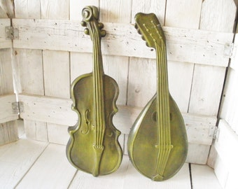 Vintage musical instruments wall decor violin mandolin olive green cast aluminum Royal mid century 1960s- free shipping US