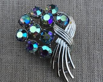 Vintage kramer rhinestone  brooch