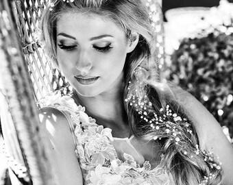 Hair vine weddings. Beach weddings. Pearls hair halo for bride to be. Silver hair halo for bride. Boho wedding hair jewelry. Bride hair vine