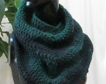 Triangle Scarf, Cowl, Scarf, Neckerchief, for Mommie and Me  Forest Green to Black 23601