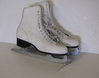 Vintage White Ice Skates - Size 6