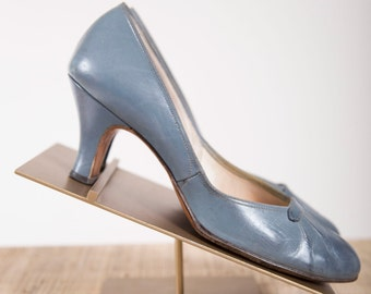 Vintage 1940s Heels Grey Blue Leather 40s Vintage Round Toe Pumps