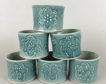 Thrown Blue-Green Cups without Feet - without handles -yunomi - sobachoko - Flower Pattern