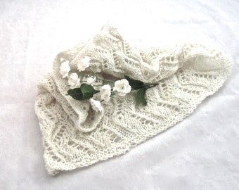 """WOMEN'S Lace Cowl Scarf Neckwear Neck Muff """"Creamy Lace""""' all-season, KP-lace weight everyday neck cosy lampshade cover"""