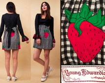 60s 70s Vtg Strawberry Gingham YOUNG EDWARDIAN Ruffle Sleeve Micro Mini Dress / Baby Doll MOD Hippie / sz 9 Xs Sm