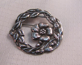 c1940's Sterling Flower Wreath Brooch