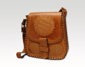 Vintage, Tan Brown Tooled Leather Satchel, Shoulder Bag, Messenger, Saddle Bag, Handbag
