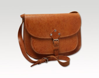 Vintage  Tan Brown Leather Cross Body Bag, Satchel, Messenger Bag, Saddle Bag, Handbag