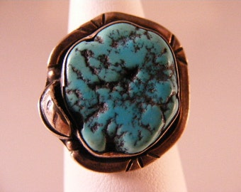 Vintage  Southwest Turquoise Nugget Ring in Sterling Silver.....  Lot 4323