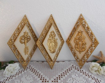 Vintage Gold Wall Hanging Plaque Set Ornate Mid Century Hollywood Regency Paris Apartment French Country Shabby Chic Cottage Home Decor Gift