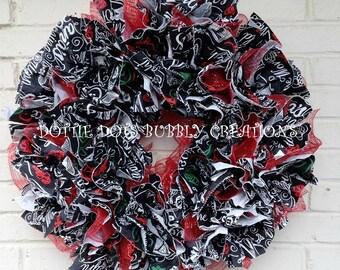 Script Print Vinyl  Christmas Tablecloth Ruffled Mesh Wreath