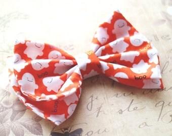 Halloween bow. holiday hair clips. Bow tie orange, Girls hair clips, halloween Headband, Prop, Photographer. Boo halloween