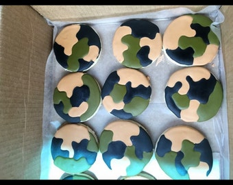 24 deer hunting and camouflage sugar cookies.