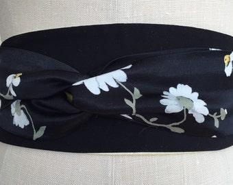 Black daisy print obi sash, yellow daisy print obi belt, white daisy belt, reversible black print obi belt, waist cincher