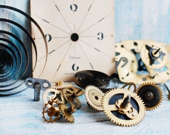 Christmas Sale 15 % Steampunk Supplies - Vintage Mechanical Alarm Clock Movements Set USSR - Soviet Clock Mechanism