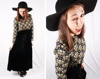 Vintage Black and Gold Velvet Maxi Dress / Size Medium