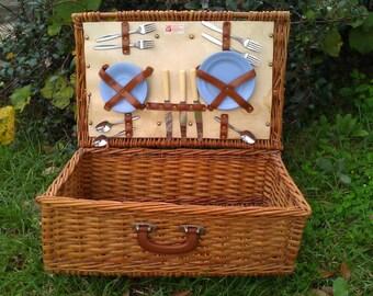 Vintage Optima Picnic Basket
