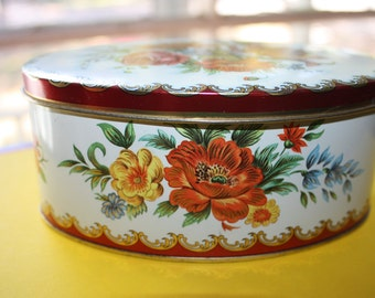 Daher Tin, Colorful Flowers, Well Fitting Lid, Clean and Fully Usuable, Beautiful