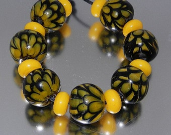 Bee Lotus Petal lampwork bead set FHFteam GBUK SRA