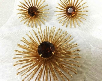 Starburst Brooch and Clip Earrings in Amber by Sarah Coventry ~ Demi-parure ~ 1960's
