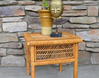 Wonderful Vintage Wicker Table / 80u0027s Small Side Table / Patio Table / Bohemian