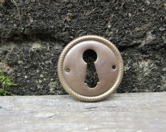 Antique Escutcheon Brass Metal Stamped Circle Round Architectual Key Hole Plate Vintage vtg Pendant Charm Art Jewelry Crafts Embellishments