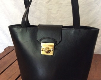 Great Vintage Authentic Salvatore Ferragamo Black Leather Shoulder Bag Made in Italy