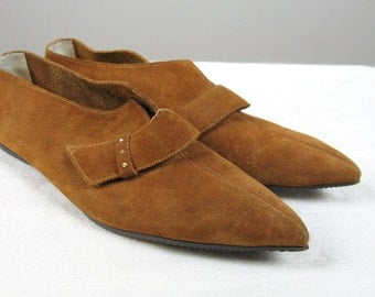Vintage 1960s Suede Shoes 60s Pixie Bootie Brown Pointy Toe Suede Flat Size 6.5