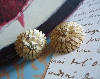 Gold Chrysanthemum Clip Earrings