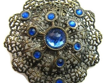 "Art Deco Brooch Pin Blue Rhinestones Filigree Lacy Silver Metal Layered 2.5"" Vintage"