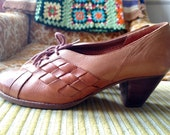 Vintage Town & Country leather kitten heel oxford mary jane women's size 8.5B 8 1/2B