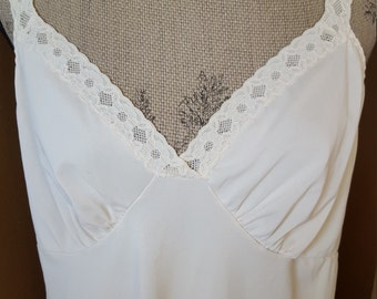Vintage Shadowline Lace Slip Bombshell Lingerie Ivory Lace Negligee Bridal Women's Large Extra Large 40 Tall Full Length Slip