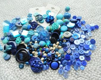 VINTAGE Mixed Button Lot Beautiful Shades Of BLUE Aqua Turquoise
