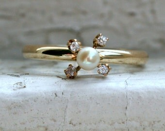 Beautiful Vintage 14K Yellow Gold Pearl and Diamond Conversion Ring.