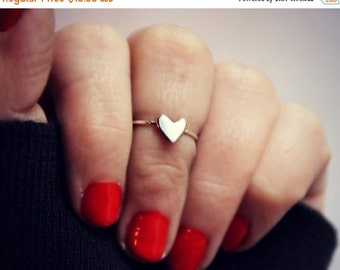 FALL SALE heart knuckle ring in sterling silver, heart ring, midi ring, minimalist ring, stacking ring, sterling silver stacking ring