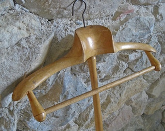 Wooden clothes hanger with long pole