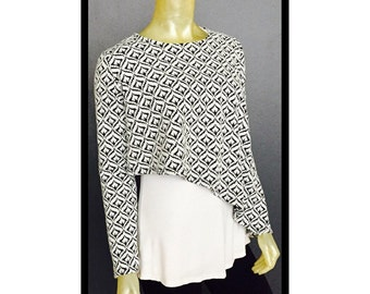 Black and White Print Assymetric Hi Lo Top Boat Neck Three Quarter Sleeves
