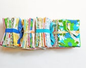 Fat Quarters Bundle, Vintage Sheet Fat Quarter Fabric Bundle, Precut Fabric, Quilting Fabric Bundles, Precut Quilt Kit, Vintage Sheet Supply