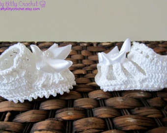Crocheted Beaded Baby Strappy Sandals / Booties with Flower - Baptism, Easter, Flower Girl, Spring - Newborns, Babies
