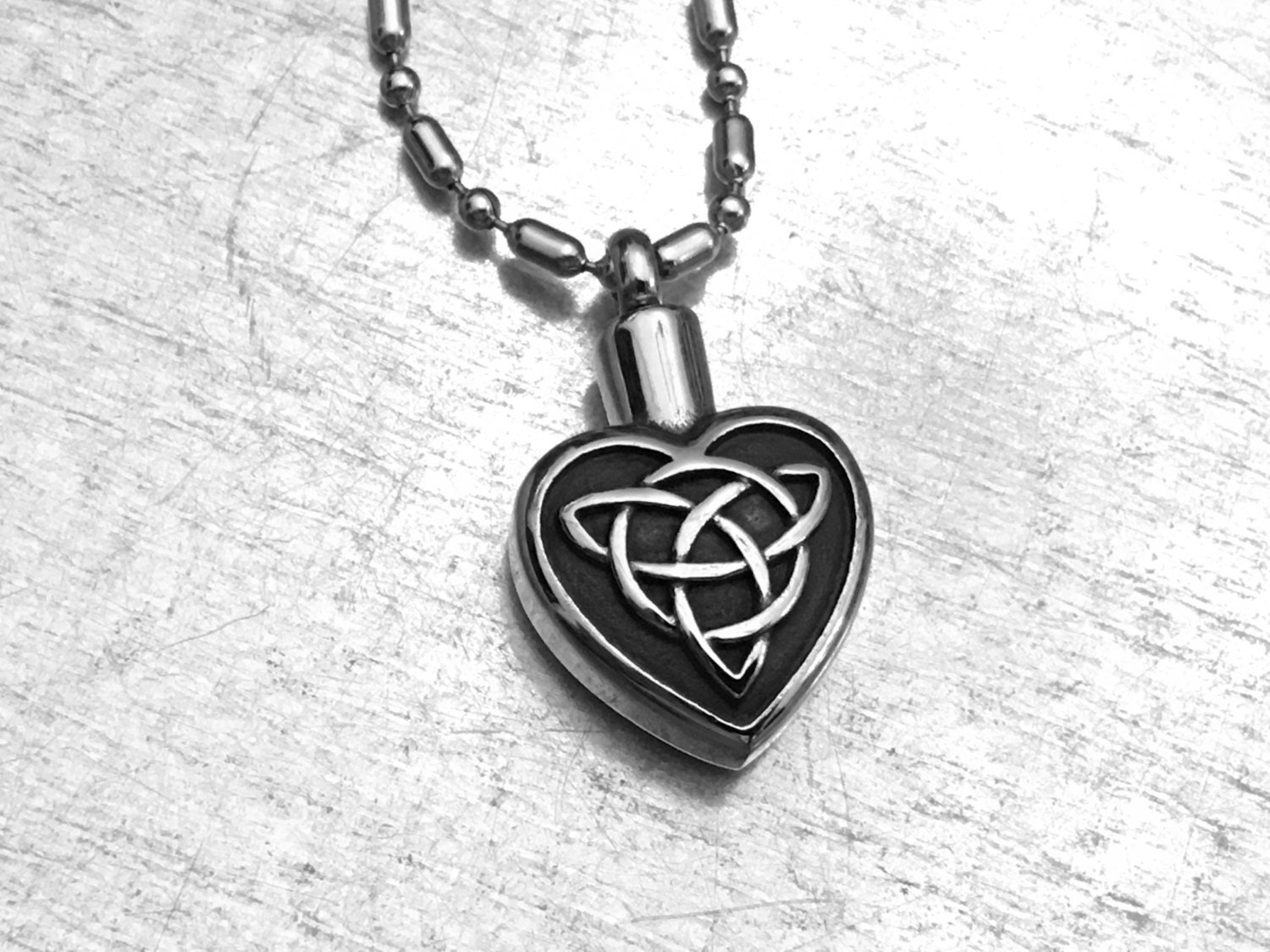 Celtic cremation necklace heart urn urn locket ashes holder for Jewelry to hold cremation ashes
