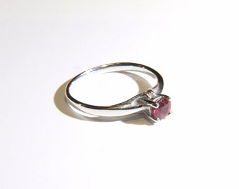 Ruby (4.7mm Natural Ruby), 4.7mm x 0.61 Carat, Round Cut, Sterling Silver Ring