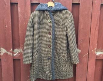 Vintage Women's Houndstooth Coat / Wool Winter Coat by Davis of Boston / 50s Coat
