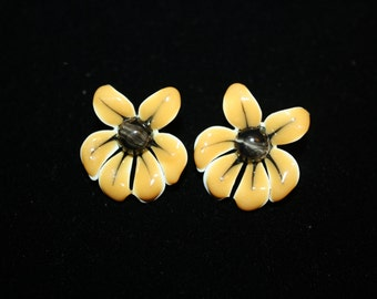 Black Eyed Susan Enamel Pierced Earrings
