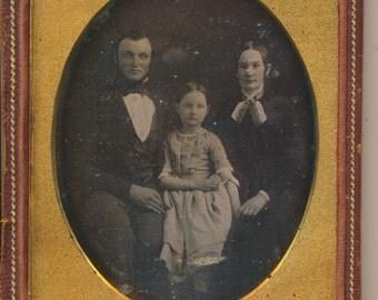 Quarter 1/4 Plate Daguerreotype Family Portrait mid 1840s large antique photo
