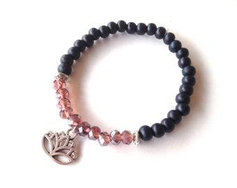 Dark midnight blue wooden bracelet amethyst diamond gold coated facet beads Lotus. Dark blue wooden bead bracelet. Midnight. Linnepin010