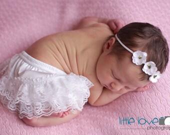 NEWBORN BLOOMER SET, Off White Bloomer set, Newborn bloomers, Lace Bloomers, photography prop, newborn photo prop, Newborn Bloomers