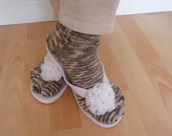 Women Split Toe Socks, Japanesse Tabi Socks, Thong Socks, Flip Flops Socks, Handknitt Socks in Brown and Beige