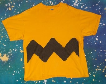 PEANUTS Charlie Brown T-Shirt Size XL