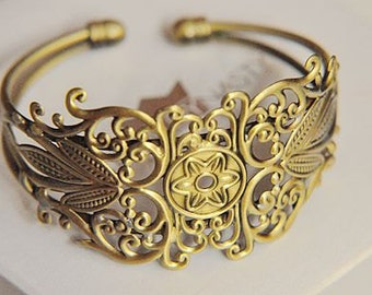 2 pcs raw Brass  plating  antique bronze filigree  bracelet   pendant finding