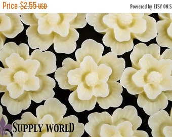 ON SALE Resin Cabochon - 5pcs - Flower Cabochon - Cream Yellow - 20mm Cabochon - SW55-2